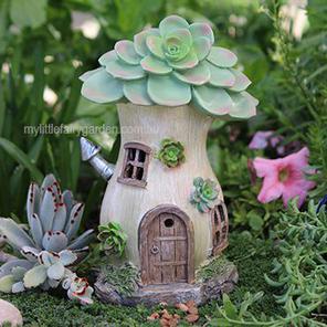 Solar Succulent House w/Chimney Miniature Fairy Garden