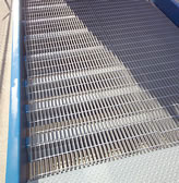 serrated decking ensures a clean surface with optimal traction
