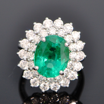 rich blueish green no oil emerald from columbia