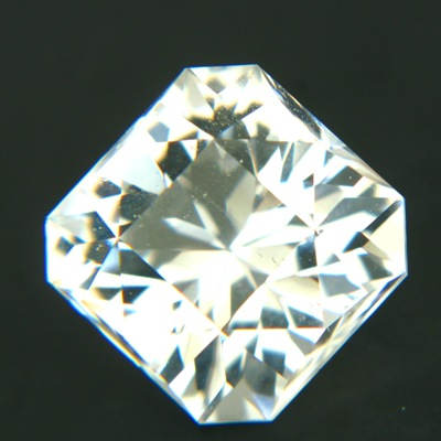 White Ceylon topaz untreated and precision cut in Germany