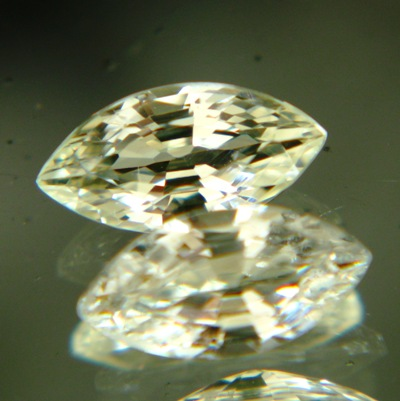Fancy yellow African sapphire without heat-treatment
