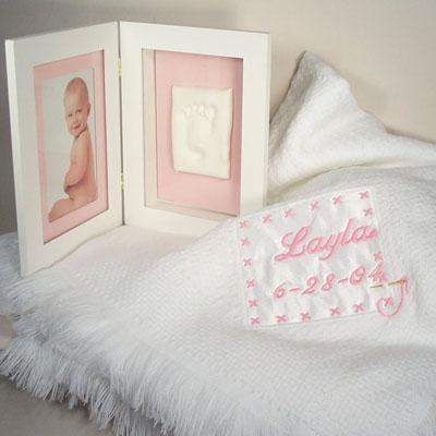 Personalized Keepsake Blanket W/ Picture Frame(Girl)